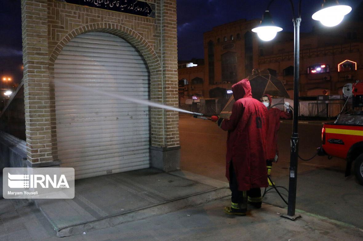 خبرنگاران اماکن پرتردد و مناطق اطراف بیمارستانی ارومیه ضدعفونی می شود
